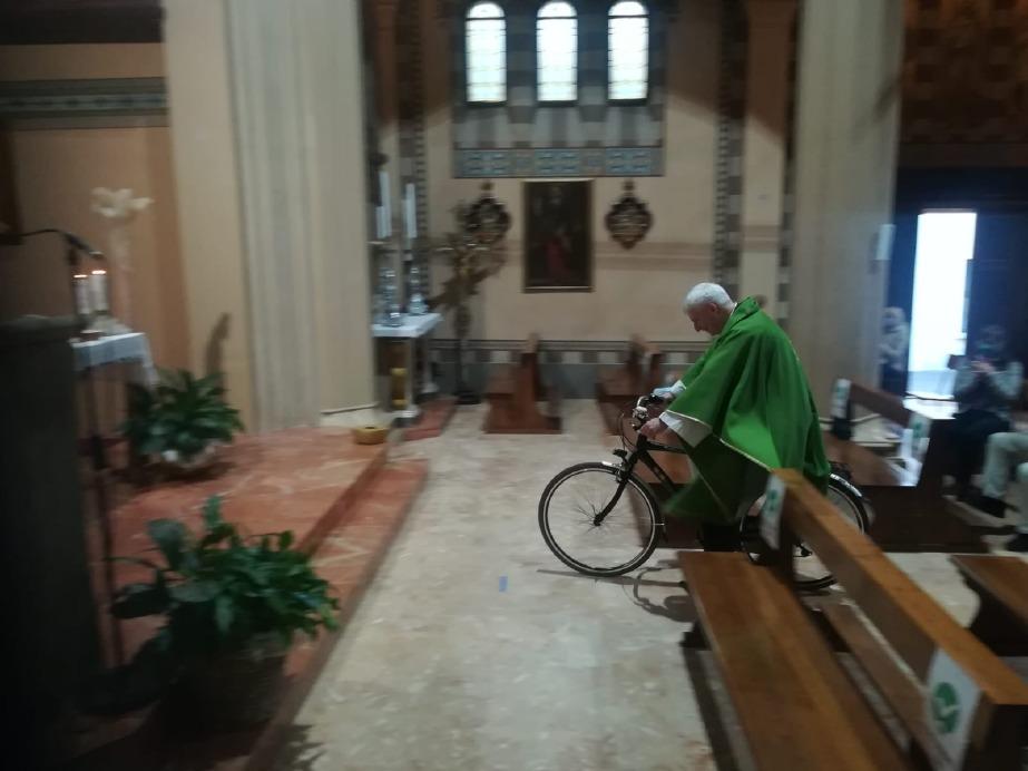 Crema News - In bici in chiesa