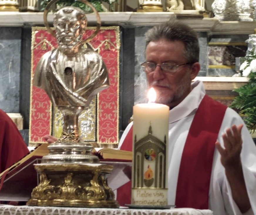 Crema News - Processione per padre Gigi
