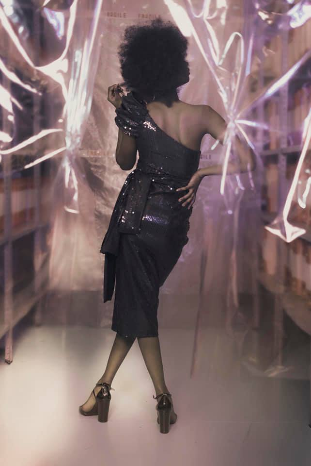 Crema News - Un vestito... Fragile