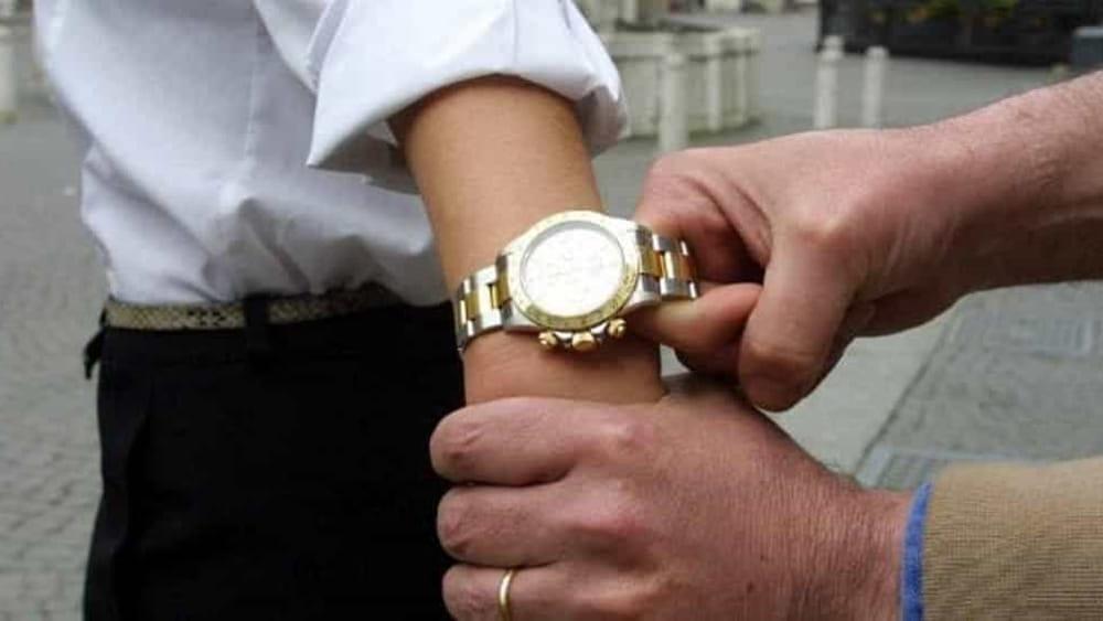 Crema News - Presa ladra di orologi